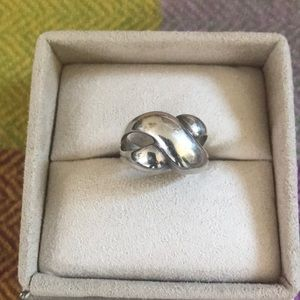 Jewelry - 💜Sterling silver infinity ring
